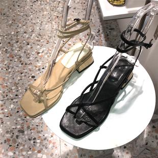 小小苏ins凉鞋女2020夏季新款夹趾交叉细带脚环皮带扣马蹄跟 A43F