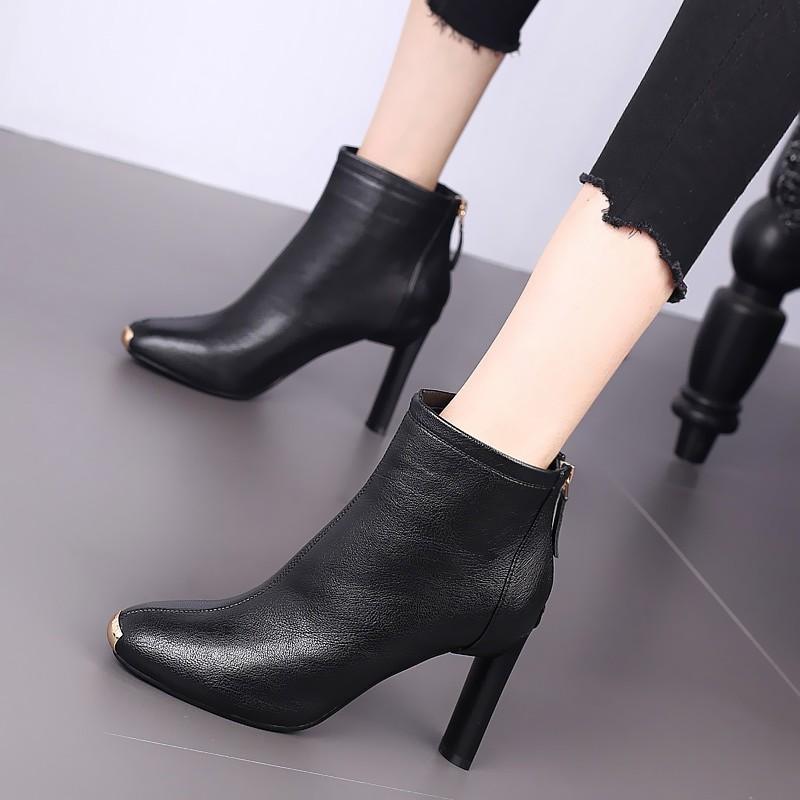 欧美金属圆头短靴粗跟时尚女靴2019秋冬新款高跟鞋英伦复古马丁靴