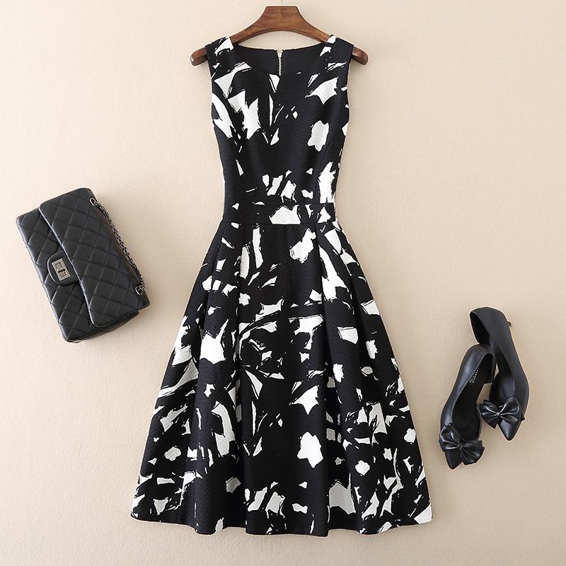 2020春季新款气质女装黑白水墨印花提花收腰A字裙显瘦无袖连衣裙