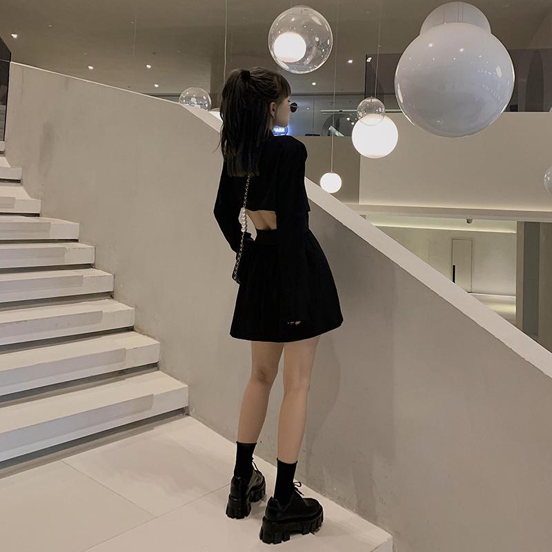2020年夏季新款设计感小众心机露腰西装裙女小个子短款长袖连衣裙