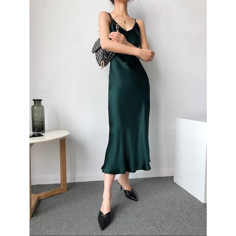 KARFELY设计师原创 日本进口三醋酸V领全身斜裁吊带连衣裙墨绿色