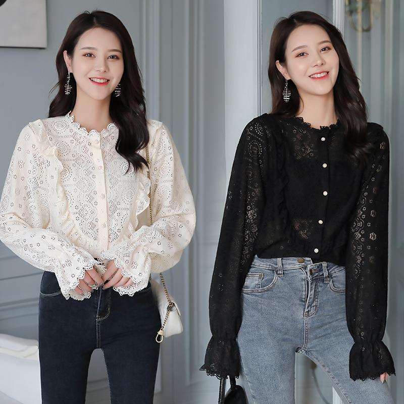 3878实拍2020春季新款韩版喇叭袖镂空蕾丝衬衫女百搭洋气显瘦上衣 -