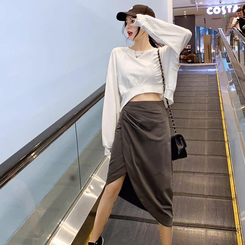 2019早秋新款白色露脐长袖卫衣+不规则半身裙两件套设计感套装女