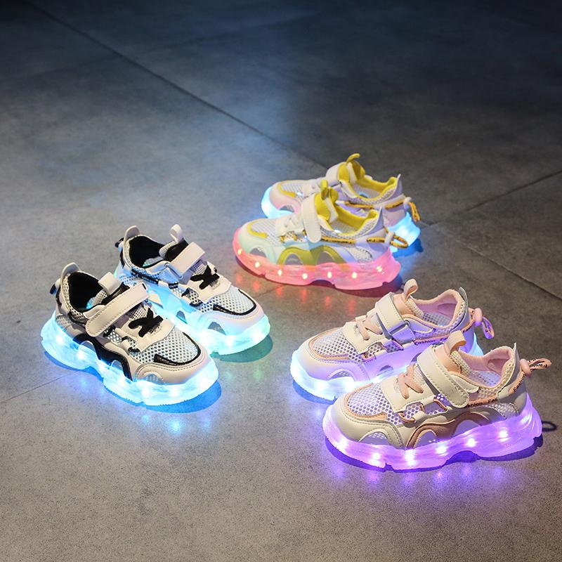 男童包头护脚凉鞋儿童运动发光充电鞋防水女童亮灯中大童鞋子小童