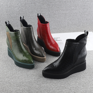 European station wedge shoes women's autumn and winter 2019 new patent leather nine cm thick bottom increased boots boots pointed Martin boots