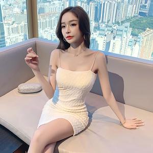 +视频春款性感白色小心机吊带收腰包臀抹胸连衣裙,女装连衣裙,夜衣天使