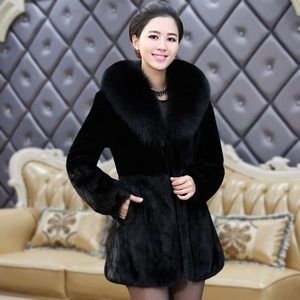 Haining fox fur collar rabbit fur coat in the long section of the fur all-in-one short section autumn and winter mom women's clothing was thin