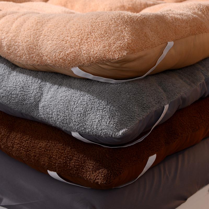 点击查看商品:10cm羊羔绒床垫1.8m加厚保暖床褥子1.5m榻榻米单双人软垫学生宿舍