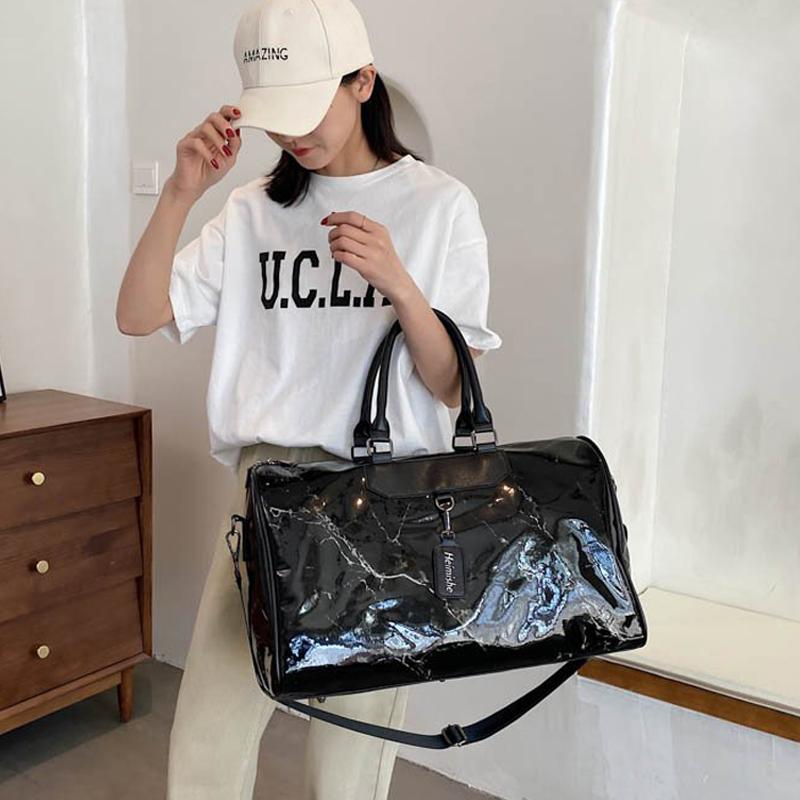 旅行包女韩版时尚2021新款短途旅行袋可套拉杆箱手提大容量健身包