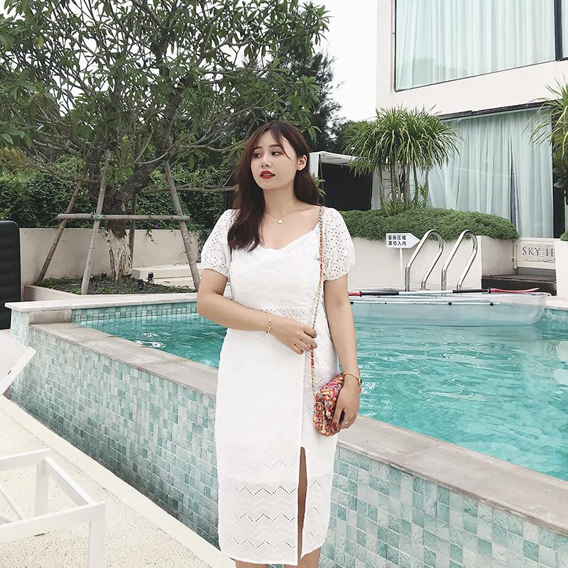 大码胖mm连衣裙子女2019新款复古气质修身收腰白色法式连衣裙