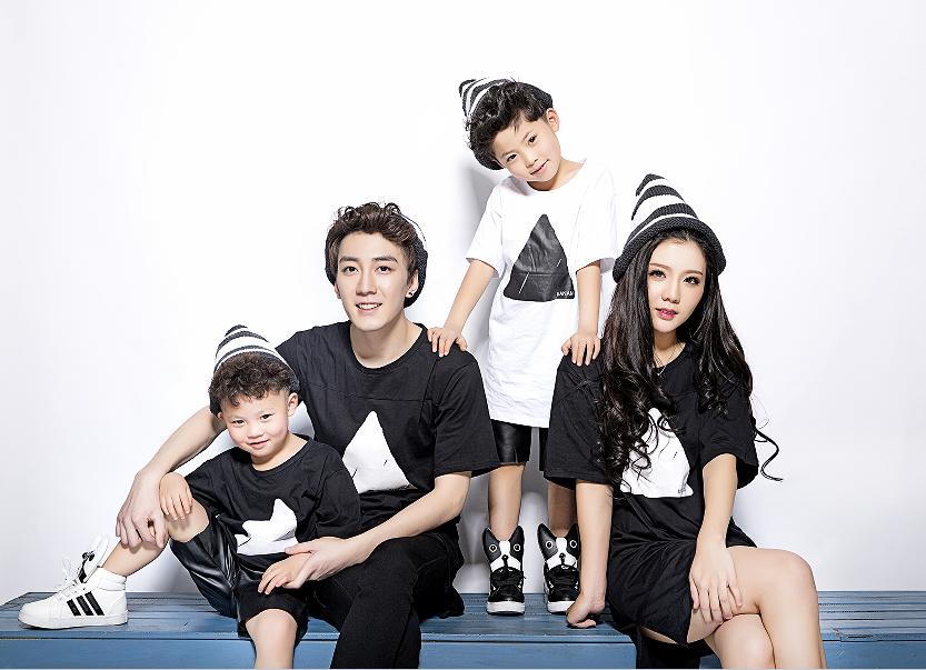2018展会时尚韩版摄影亲子装影楼服装 儿童摄影亲子装服饰出售