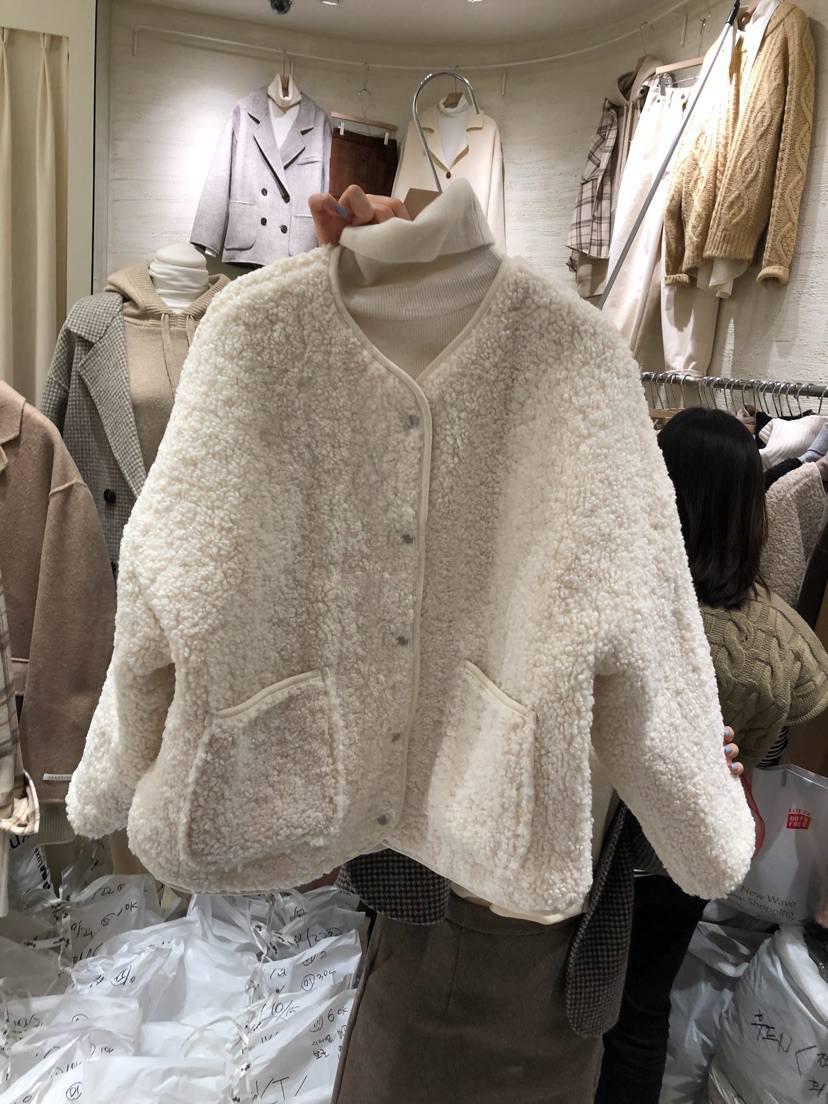 韩国东大门女装新款2020秋冬设计感双口袋保暖羊羔绒绒毛外套女-动感女孩(韩版)-