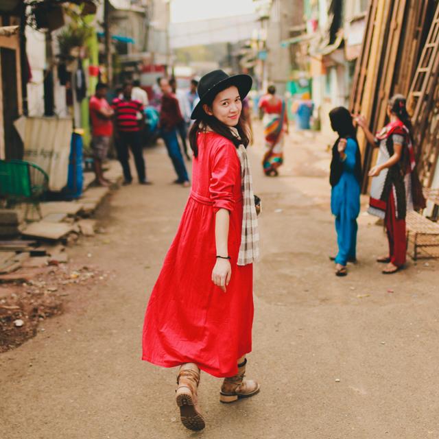 绽放女装824朵红色亚麻复古大码宽松文艺长袖长裙中长连衣裙