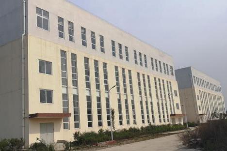 (破)四川万营实业有限公司所在的土地使用权、房屋建筑物、构筑物等
