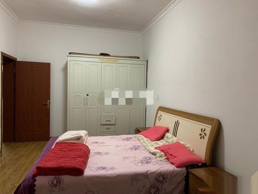 金鑫街2室,楼层好,850/月