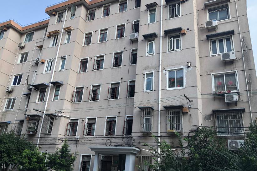 上海市宝山区宝城二村41号103室