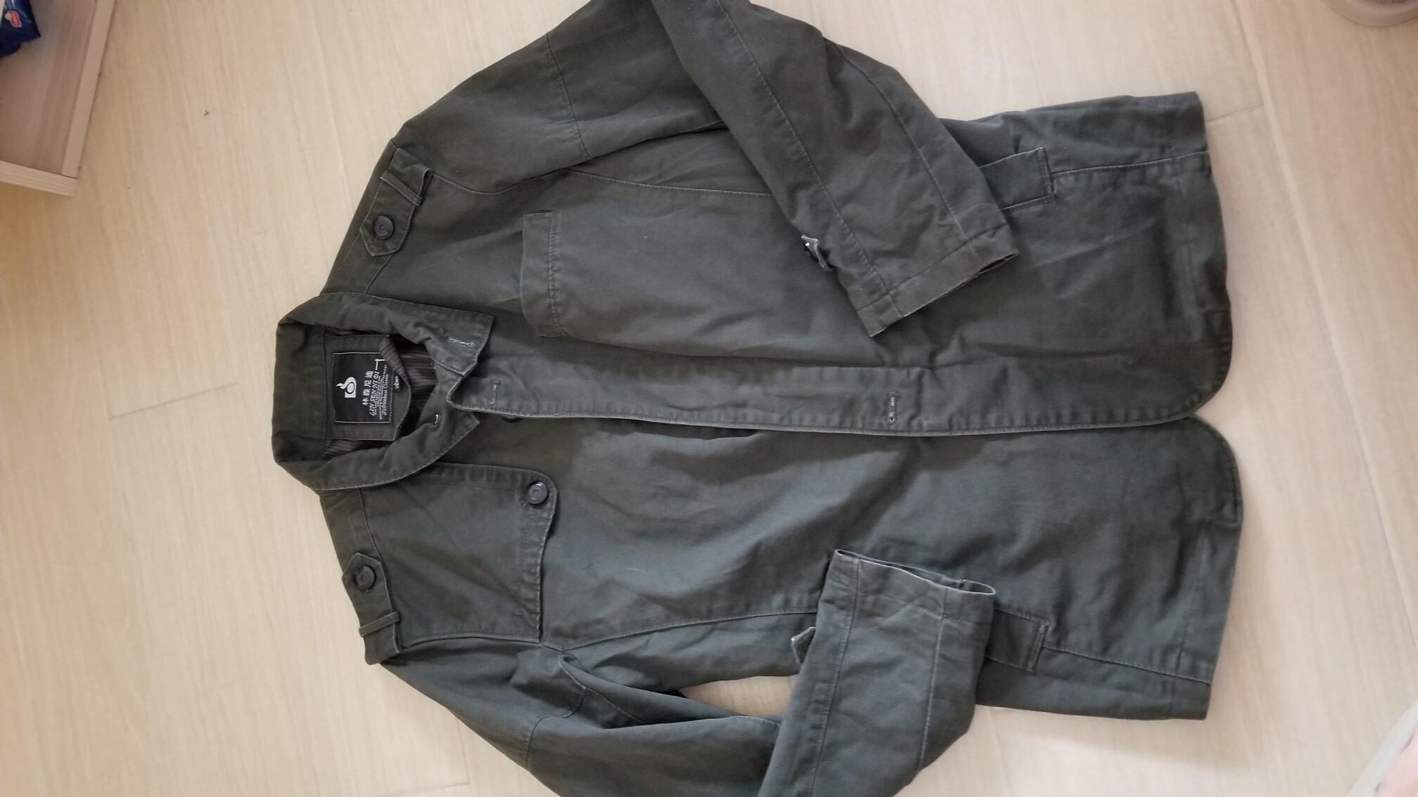 军迷,男士外套风衣。很有型。基本没怎么穿,9新。尺寸175。