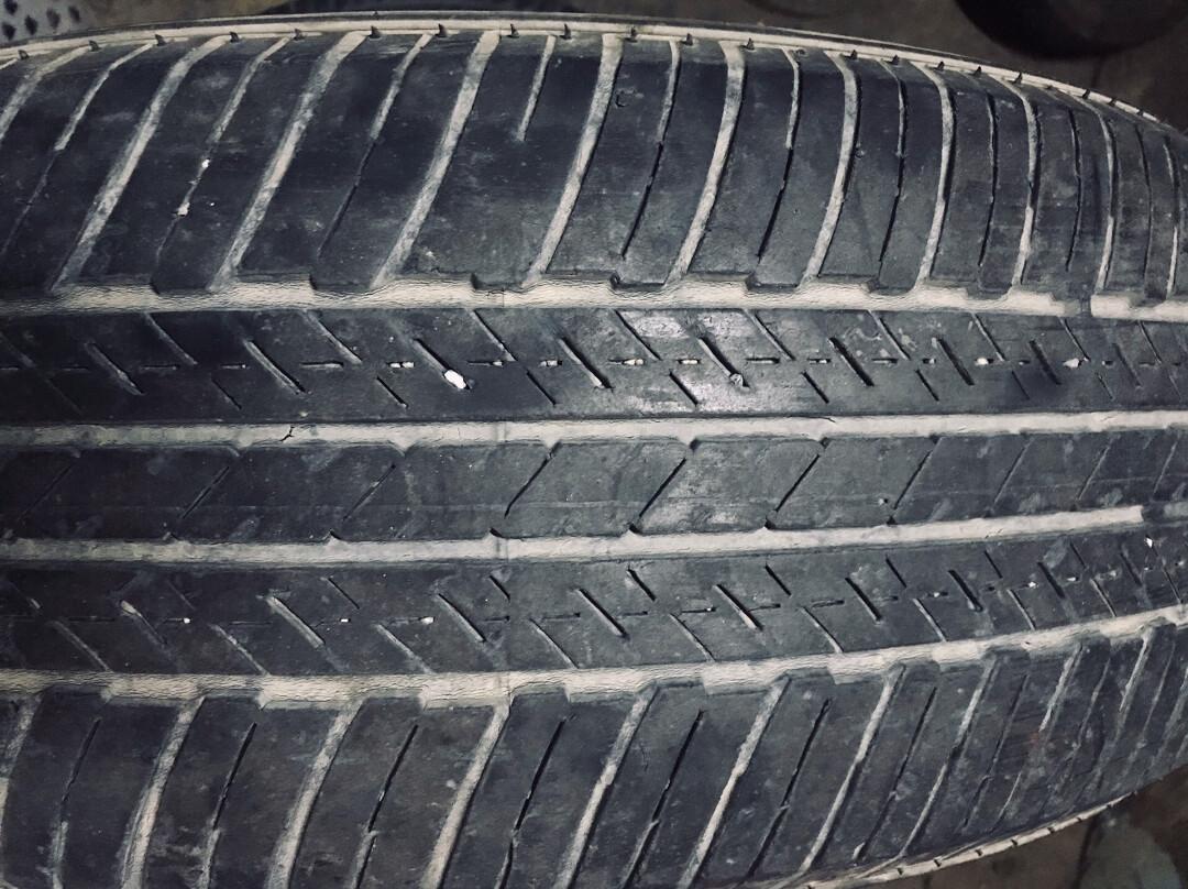 自己昂科威换下的两条普利司通22565r17轮胎,走了4万公