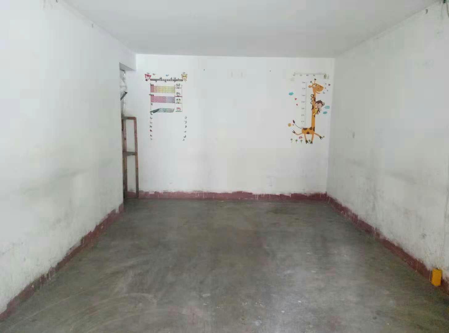 明珠花园出租小区内储藏室,26平方,限做仓库
