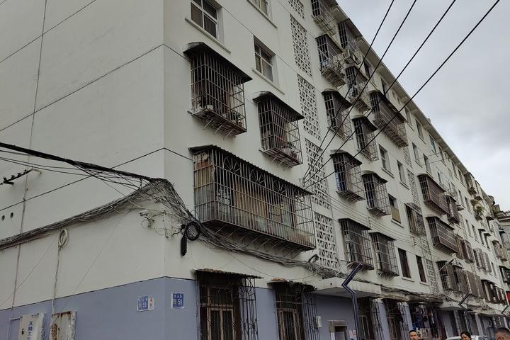 贵阳市白云区长山路59-4-1-12号的房屋