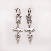 Smiling Korean LOVE arrow long earring earring earring earring Korea earloop accessory female 337789