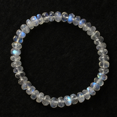 Precious natural Blue Crystal Moonstone bracelet ladies and old customer benefits