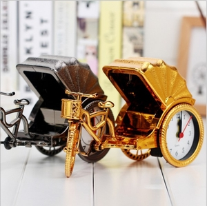 Classic two-color tricycle model plastic alarm clock Elegant luxury creative gift clock decoration Home accessories