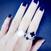 Package mail Europe and Korea new lucky four-leaf clovers black Korean female tail ring ring ring finger tide girls