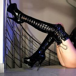 性感舞性感钢管靴女图片下载高筒美丁字裤臀图片