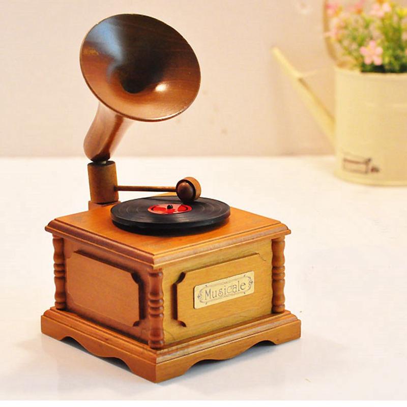 包邮木质复古留声机音乐盒创意天空之城八音盒钢琴男友女生日礼物