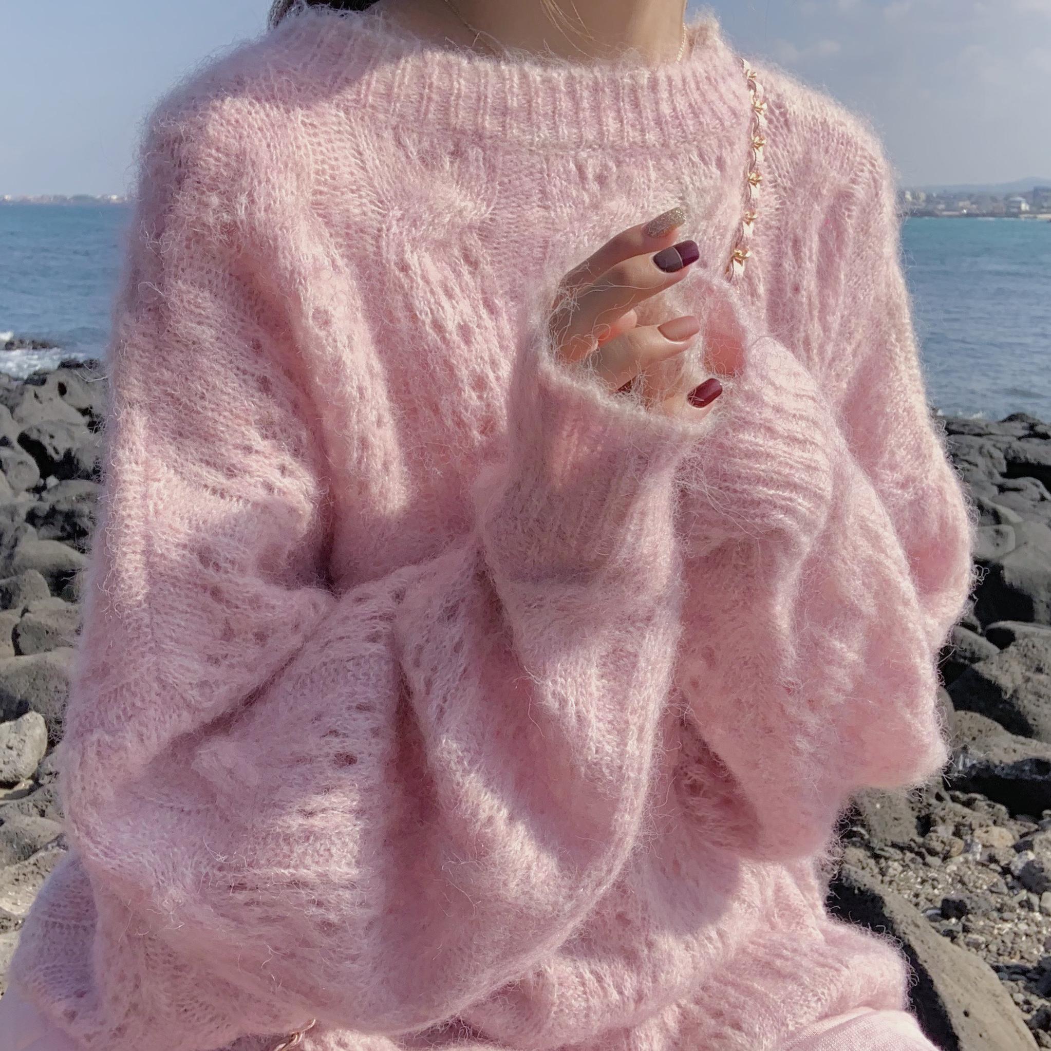 2020秋季新款马海毛毛女韩版宽松百搭套头长袖慵懒风圆领镂空针织 -