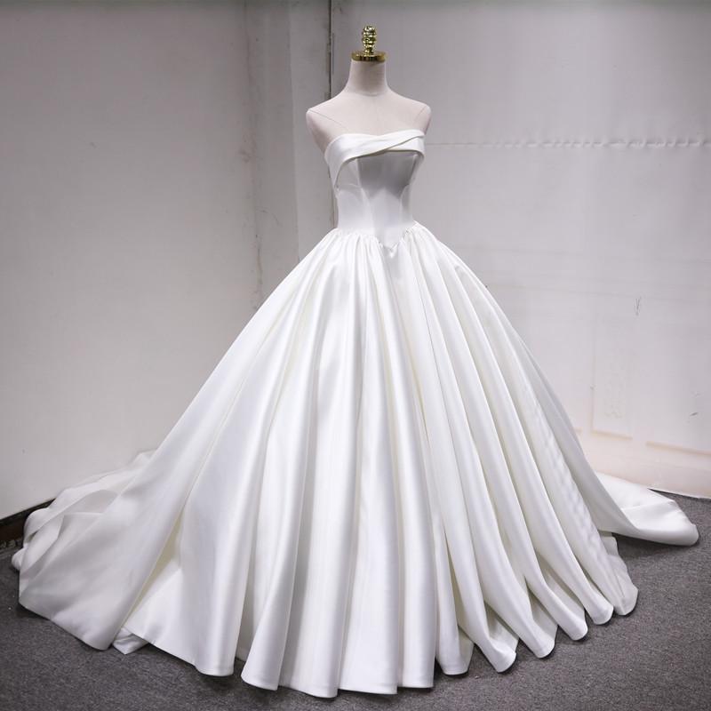 晚晚同款显瘦缎面婚纱时尚抹胸大拖尾公主梦幻仪式主森系简约婚纱