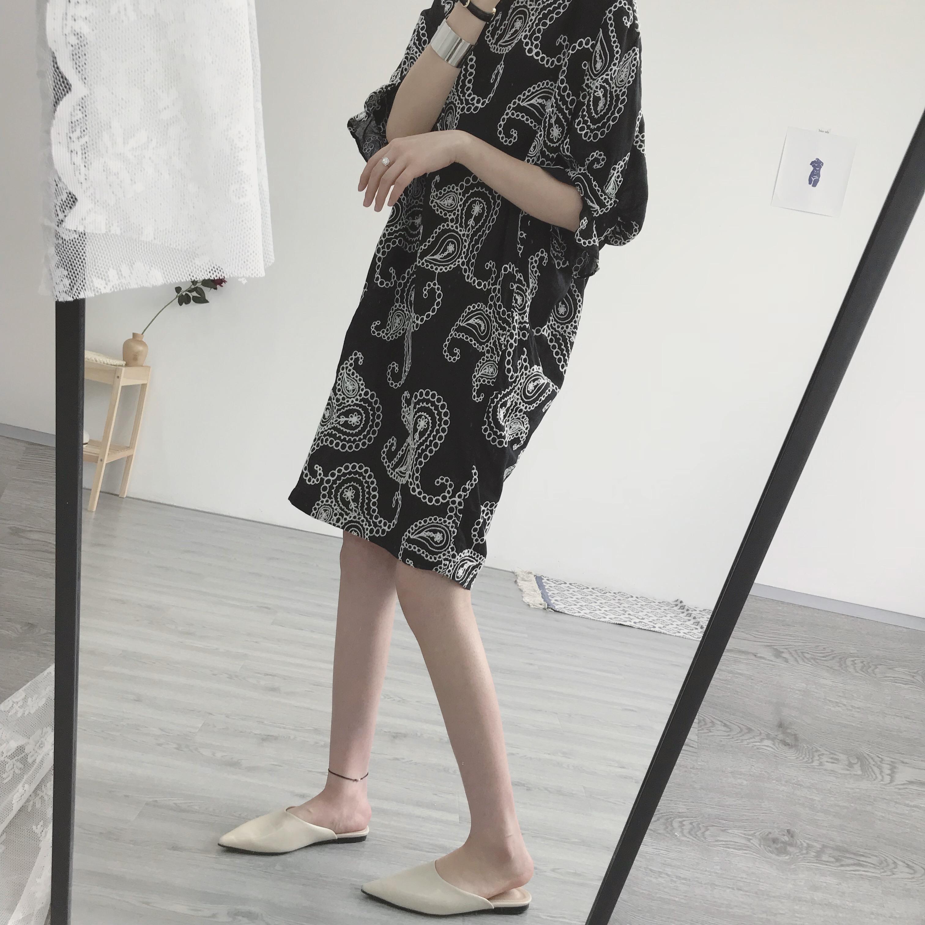 大萌家。春夏新  女主角gao级感!复古圆领套头重工刺绣连衣裙女