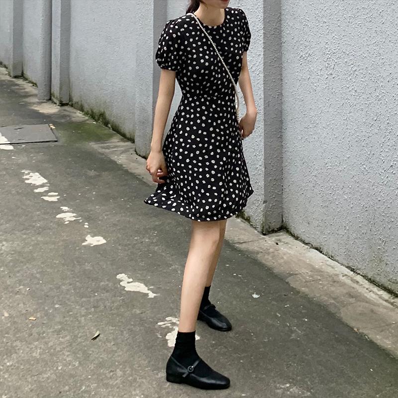 夏季韩版小雏菊显瘦收腰雪纺碎花裙气质优雅短袖圆领连衣裙女短裙