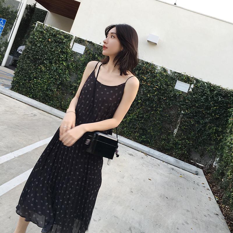小宜定制YESWOMEN春装2018新款气质度假风碎花褶皱吊带连衣裙长裙