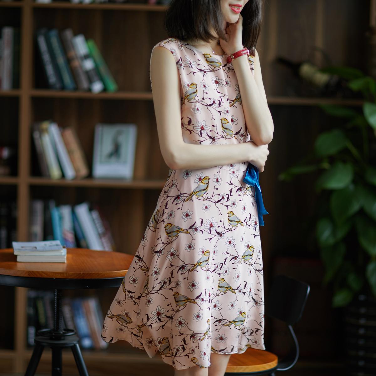 [A545690] 笑涵阁 鸟语花香 腰际系带无袖 桑蚕丝印花连衣裙