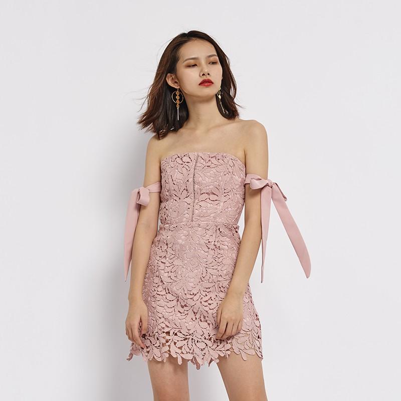 新款复古一字领系带修身花纹蕾丝连衣裙 裹胸裙 抹胸短裙