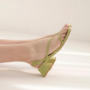 一字带凉鞋女夏低跟2019新款学生百搭绿色仙女风中跟粗跟罗马复古