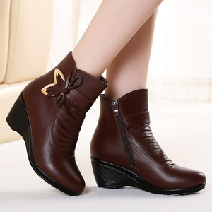 Autumn and winter women's shoes middle-aged leather shoes short boots plus velvet mid boots women's wedge heel shoes short women's boots cotton shoes