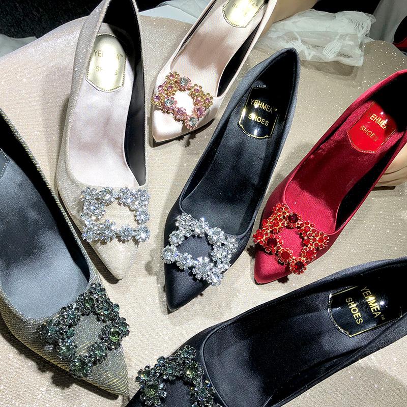 婚鞋尖头高跟鞋女春2019新款亮片单鞋方扣水钻细跟水晶婚纱伴娘鞋