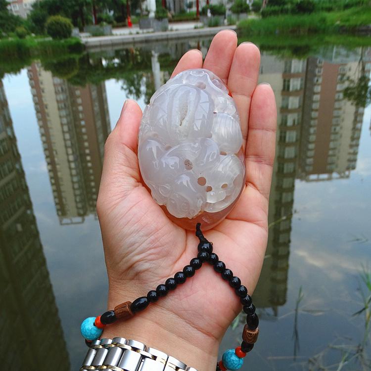 玛瑙手把件雕刻玉石玉髓原石天然男士貔貅水晶洞招财正品文玩摆件