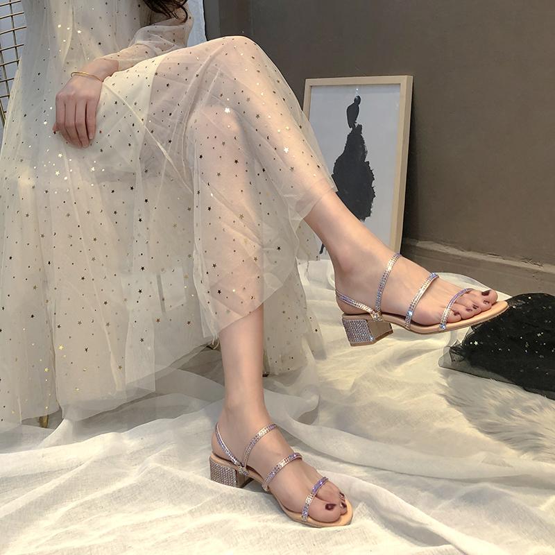 RC水钻凉鞋女粗跟2019夏新款网红一字带两穿罗马露趾中跟凉拖鞋女
