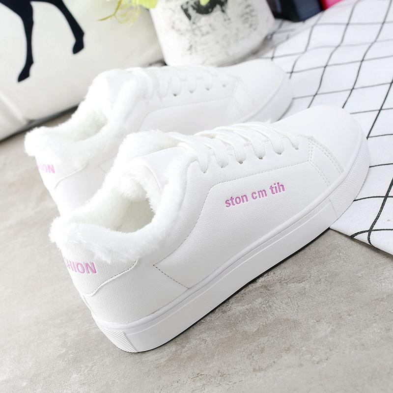 小白鞋加绒冬季新款韩版皮面运动鞋百搭平底板鞋皮面白鞋保暖女鞋