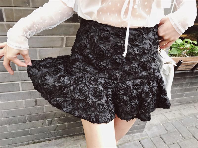 GOSWEET 夏季新款高腰显瘦立体花朵荷叶边裙裤女微喇拉链黑色短裤