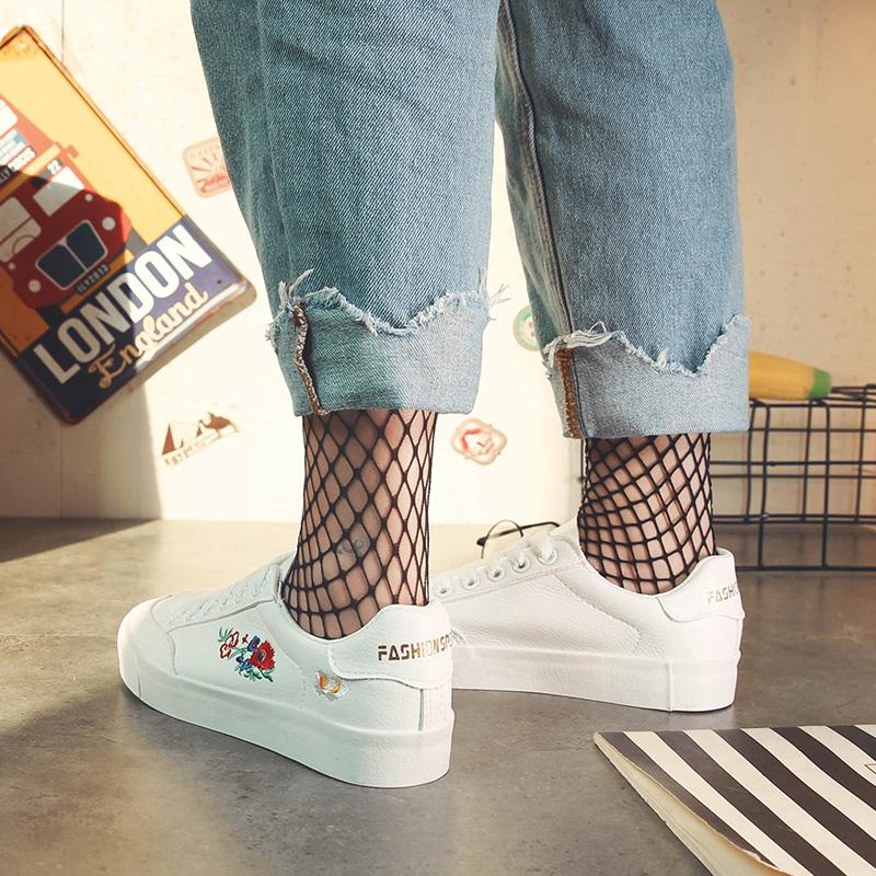 街拍小白鞋2017秋季新款百搭休闲帆布鞋女韩版学生平底港风板鞋子