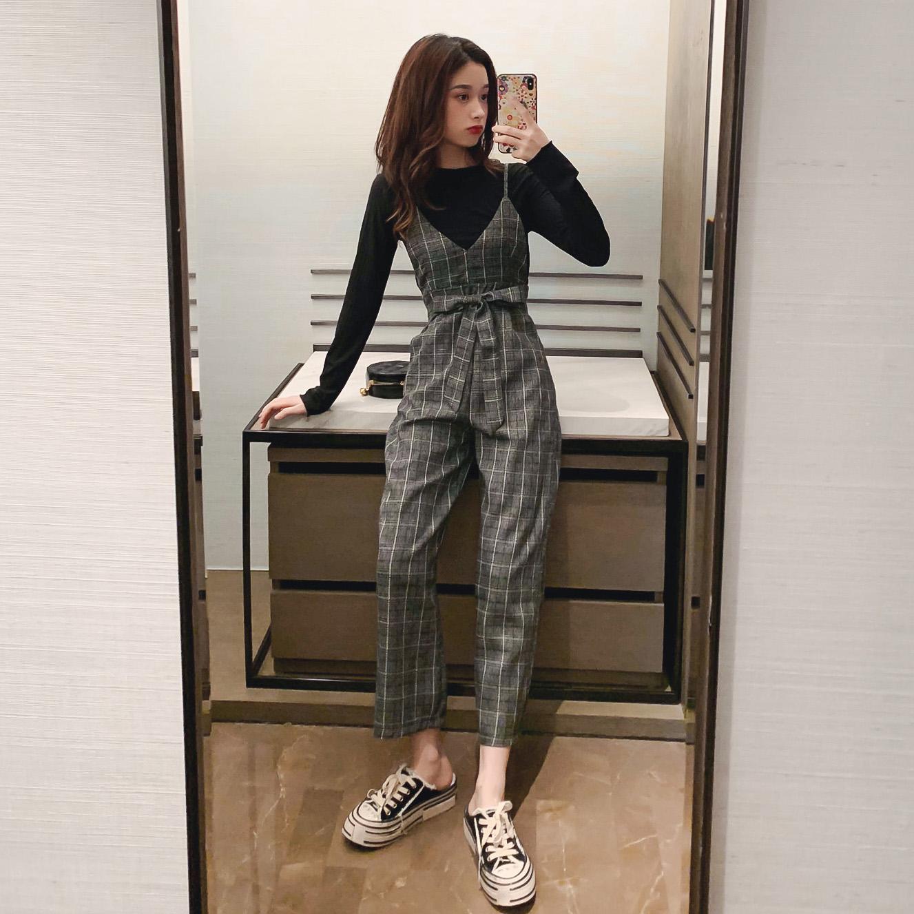 格子背带裤女2019秋季新款显瘦高腰阔腿裤休闲九分裤打底衫两件套