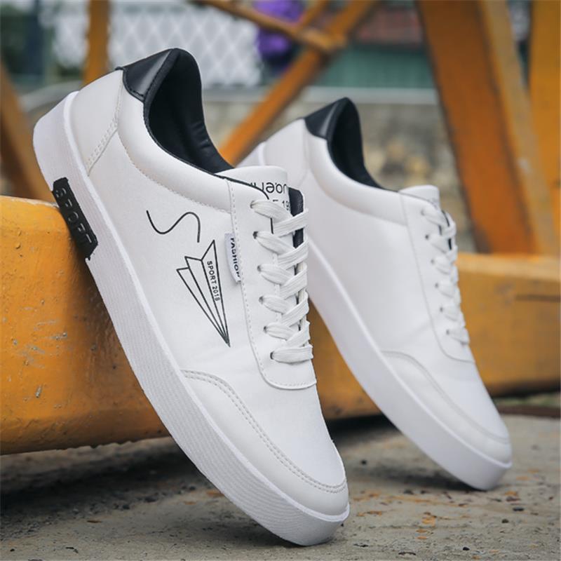 2018夏季男鞋跑步潮鞋工作运动休闲鞋防水皮鞋韩版板鞋旅游白鞋子