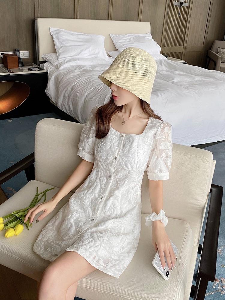 方领泡泡袖连衣裙女夏2020新款白色初恋裙小个子仙女裙法式小白裙