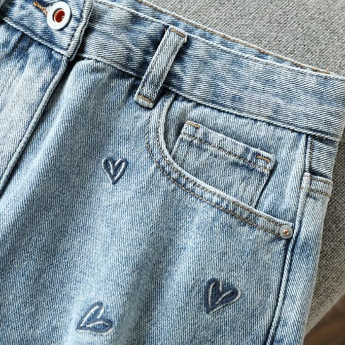 真心显腿长,人手一条!好看的爱心刺绣 高腰破洞毛边牛仔短裤女