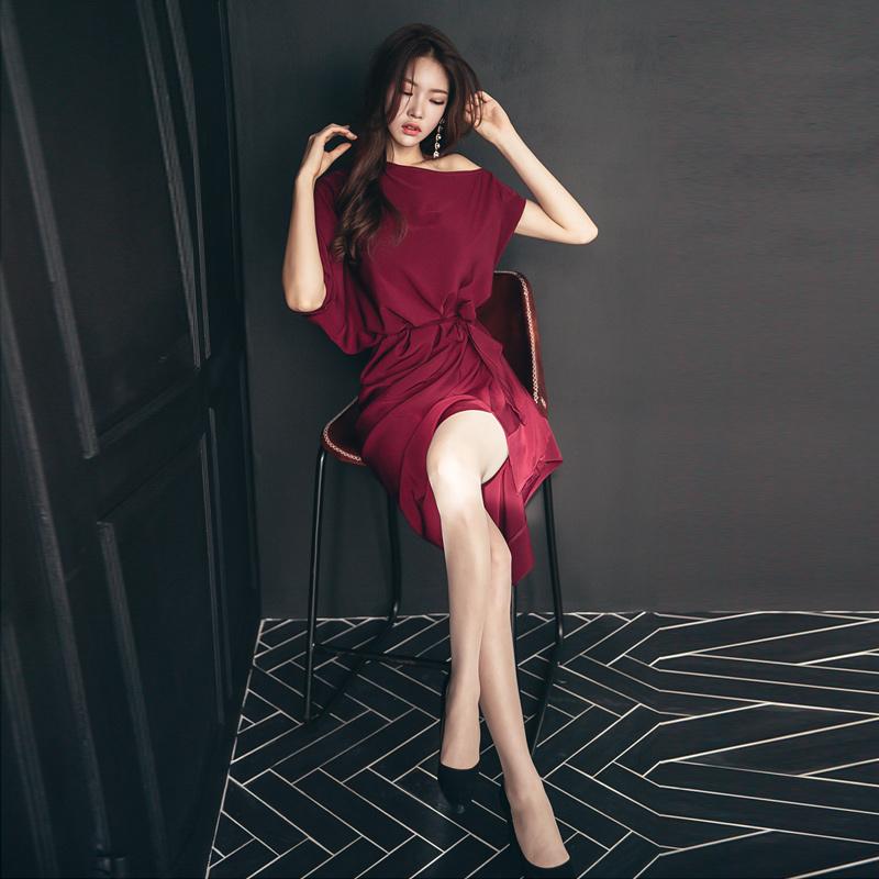 2018年秋装新款韩版女人味酒红色斜肩露肩修身显瘦性感包臀连衣裙